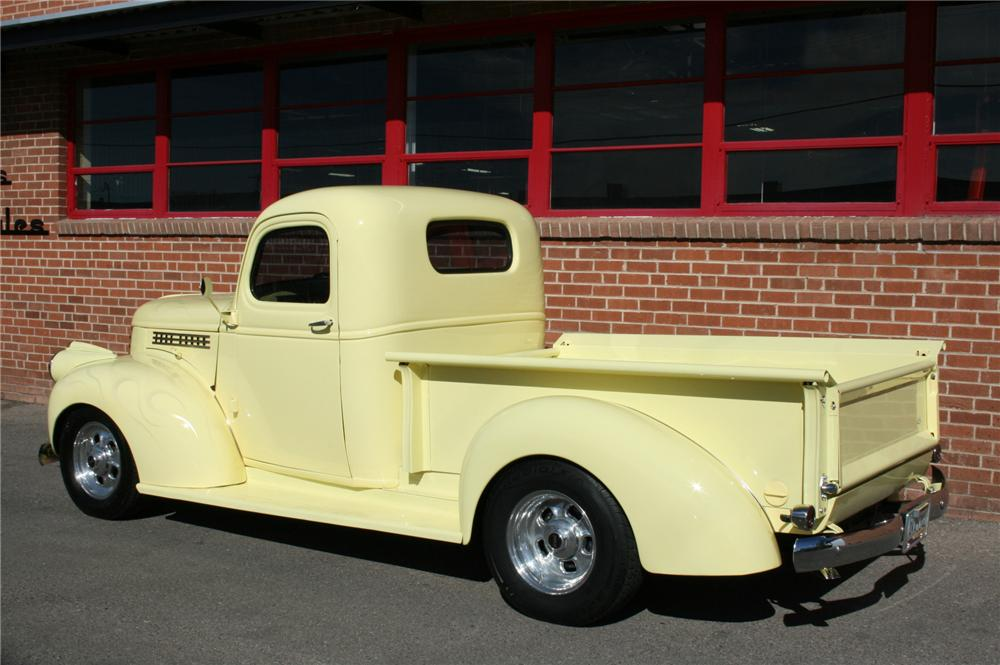 1945 CHEVROLET CUSTOM PICKUP - Rear 3/4 - 96618