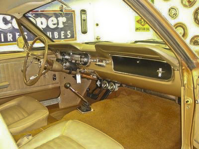 1965 FORD MUSTANG COUPE - Interior - 96622