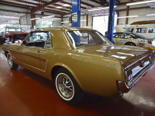 1965 FORD MUSTANG COUPE - Rear 3/4 - 96622