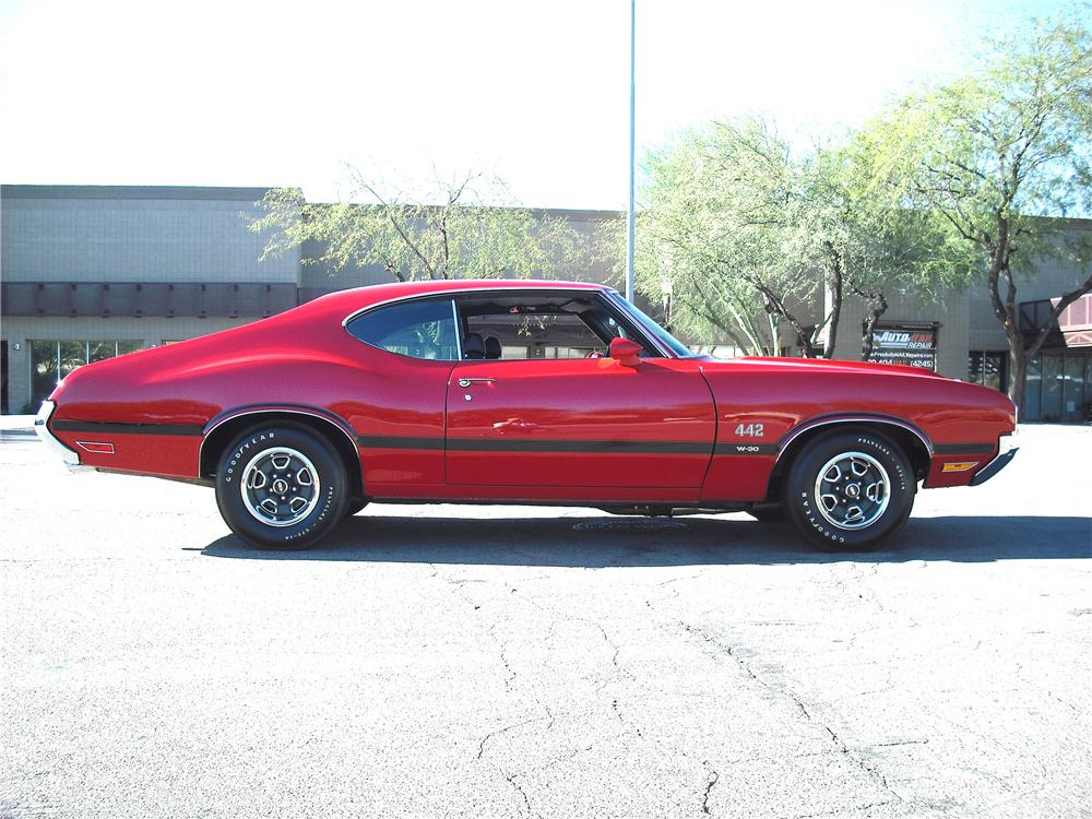 1970 OLDSMOBILE 442 W30 2 DOOR HARDTOP - Side Profile - 96650