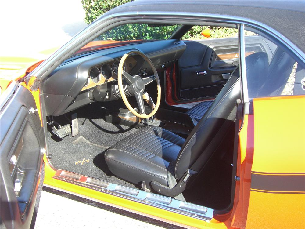 1970 DODGE CHALLENGER R/T COUPE - Interior - 96652