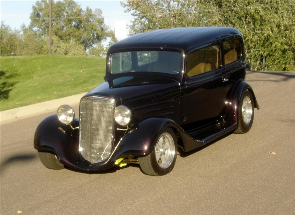1935 CHEVROLET CUSTOM 2 DOOR SEDAN - Side Profile - 96653