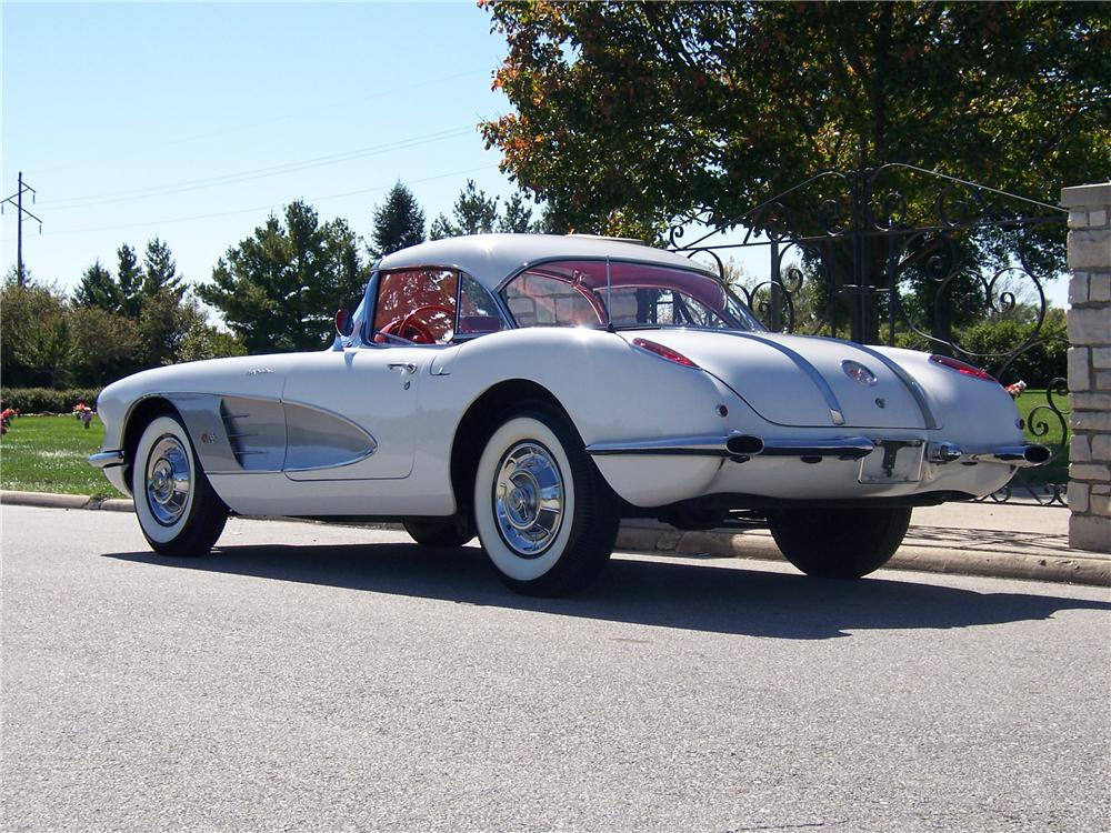 1958 CHEVROLET CORVETTE CONVERTIBLE - Rear 3/4 - 96666
