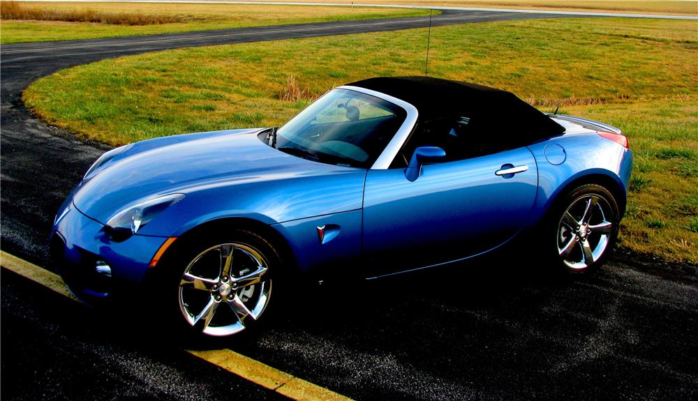 2010 PONTIAC SOLSTICE CONVERTIBLE - Side Profile - 96686