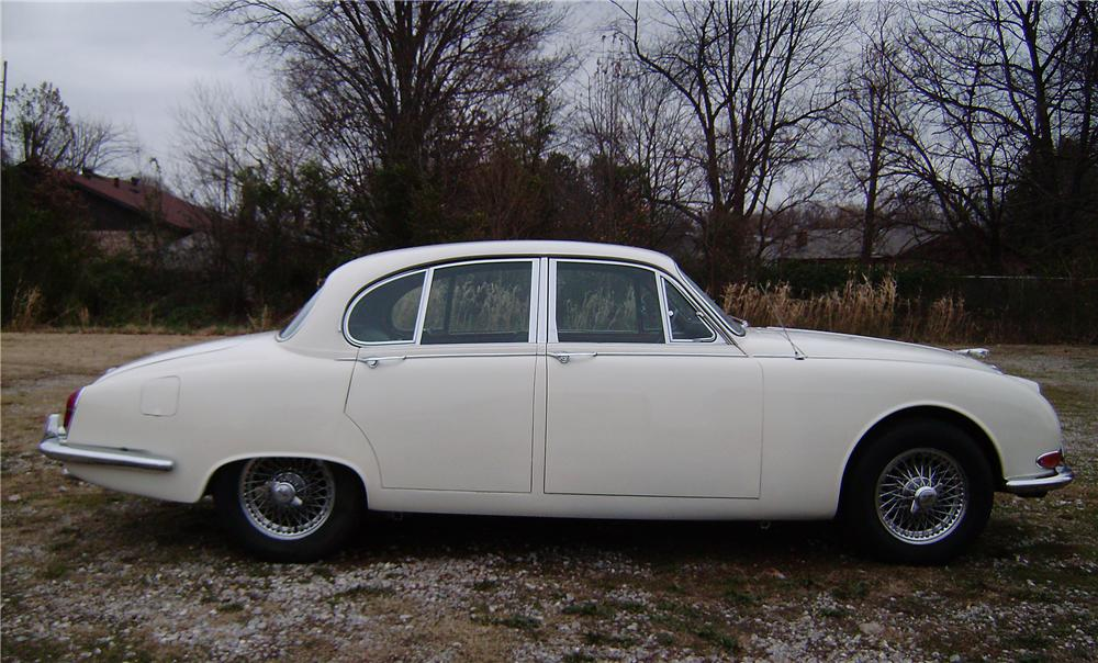 1967 JAGUAR 3.8S 4 DOOR SEDAN - Side Profile - 96687