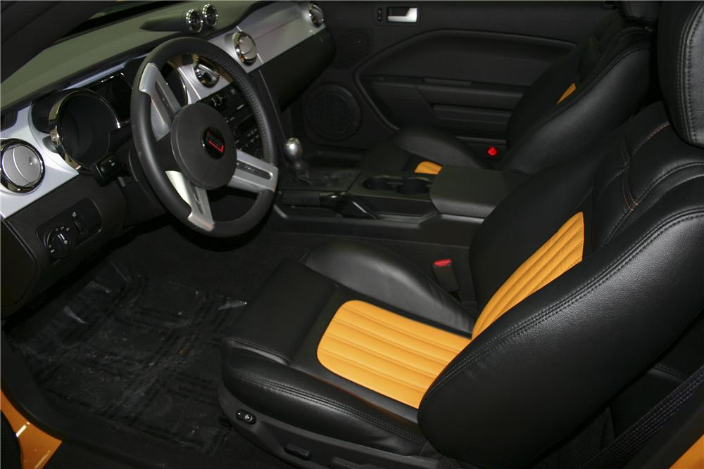2007 FORD MUSTANG SALEEN PARNELLI JONES LIMITED EDITION - Interior - 96695