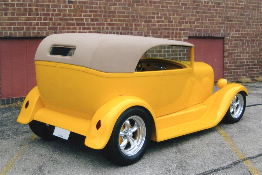1929 FORD CUSTOM - Rear 3/4 - 96713