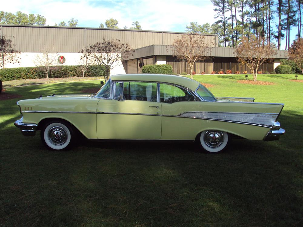 1957 CHEVROLET BEL AIR HARDTOP - Side Profile - 96718