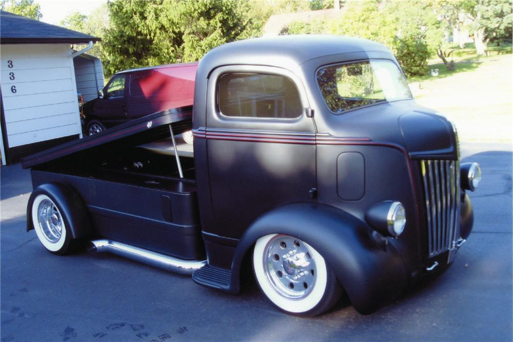 1941 FORD CUSTOM TRUCK - Front 3/4 - 96726