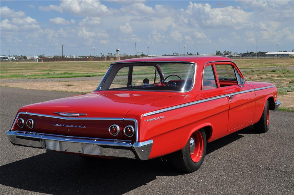 1962 CHEVROLET BEL AIR 2 DOOR COUPE - Rear 3/4 - 96805