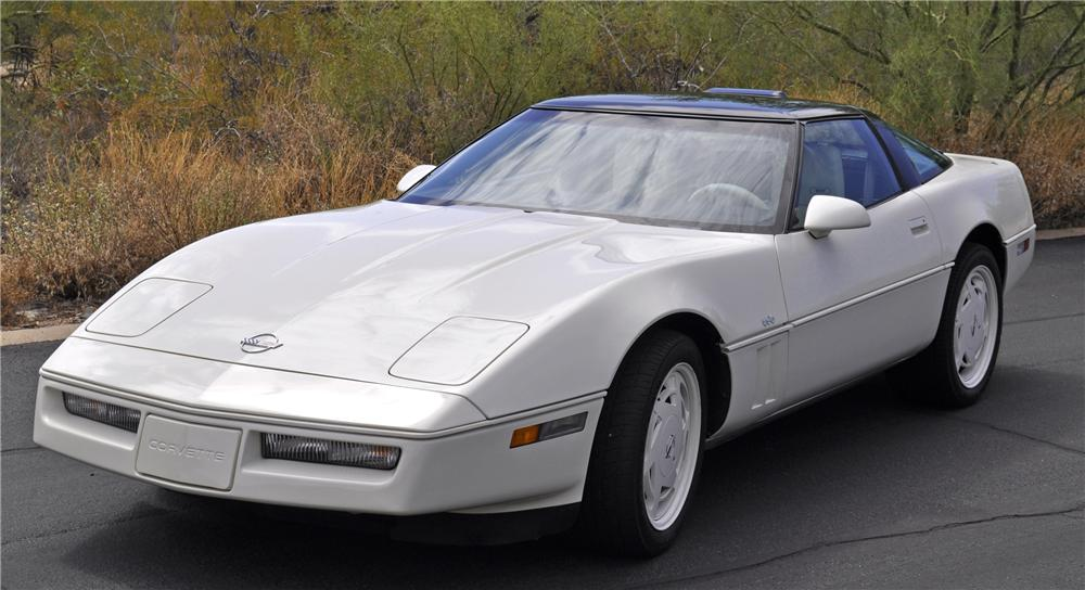 1988 CHEVROLET CORVETTE COUPE - Front 3/4 - 96806