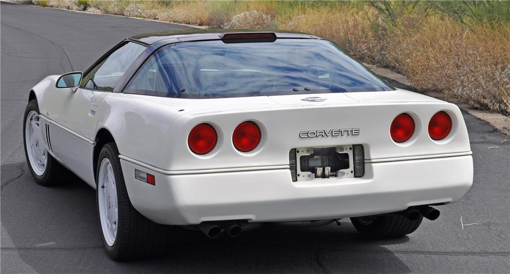 1988 CHEVROLET CORVETTE COUPE - Rear 3/4 - 96806
