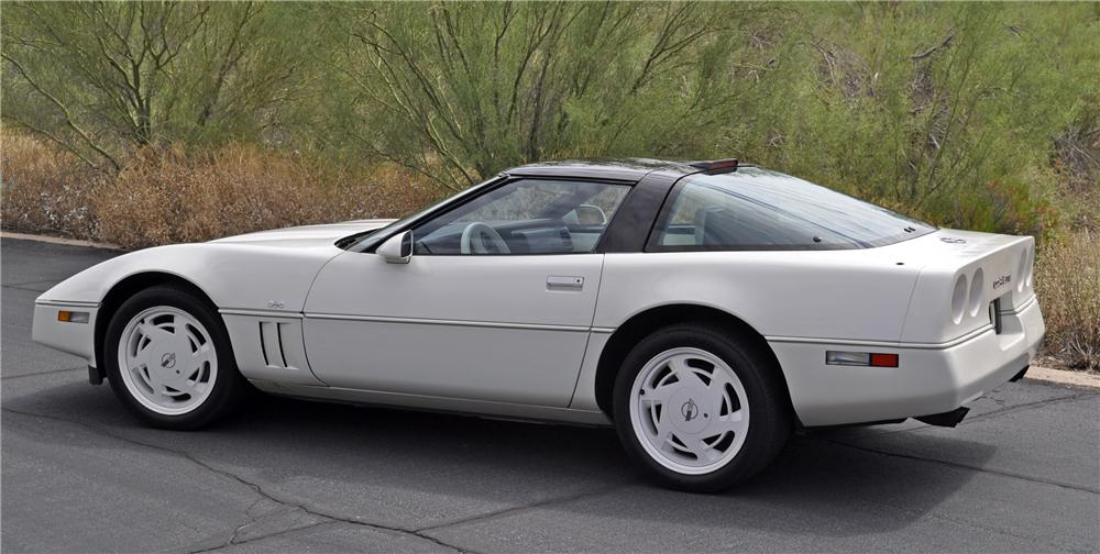 1988 CHEVROLET CORVETTE COUPE - Side Profile - 96806