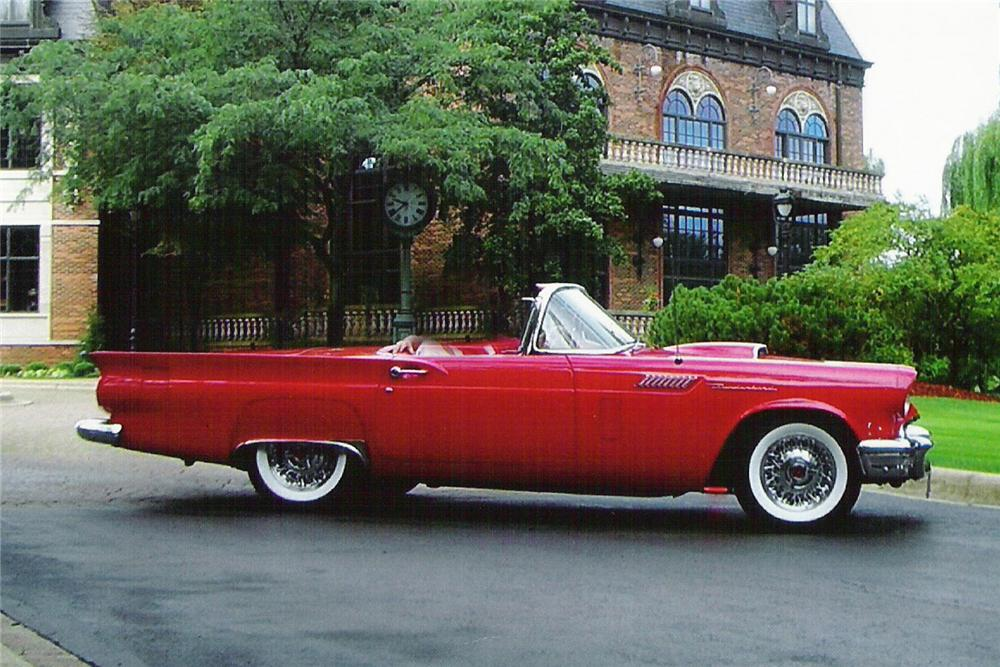 1957 FORD THUNDERBIRD CONVERTIBLE - Side Profile - 96813