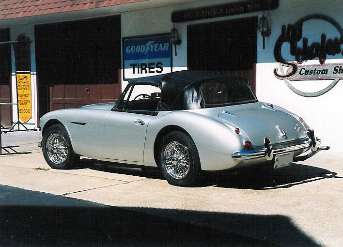 1964 AUSTIN-HEALEY 3000 MARK III BJ8 CONVERTIBLE - Rear 3/4 - 96864