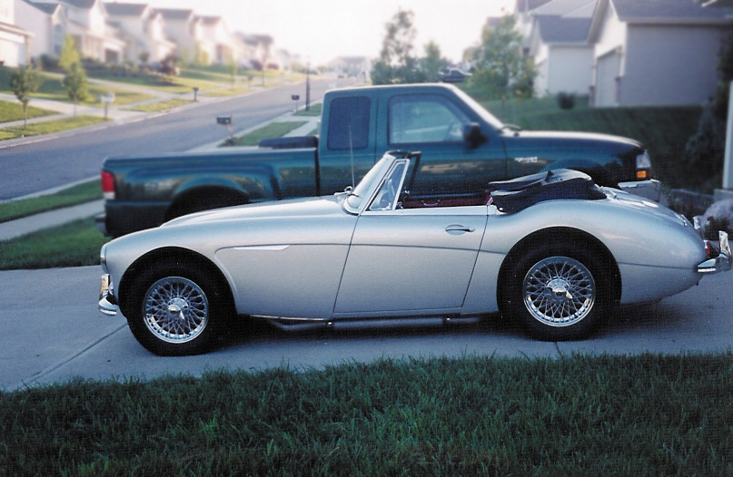 1964 AUSTIN-HEALEY 3000 MARK III BJ8 CONVERTIBLE - Side Profile - 96864