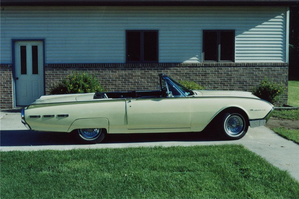 1962 FORD THUNDERBIRD CONVERTIBLE - Side Profile - 96891