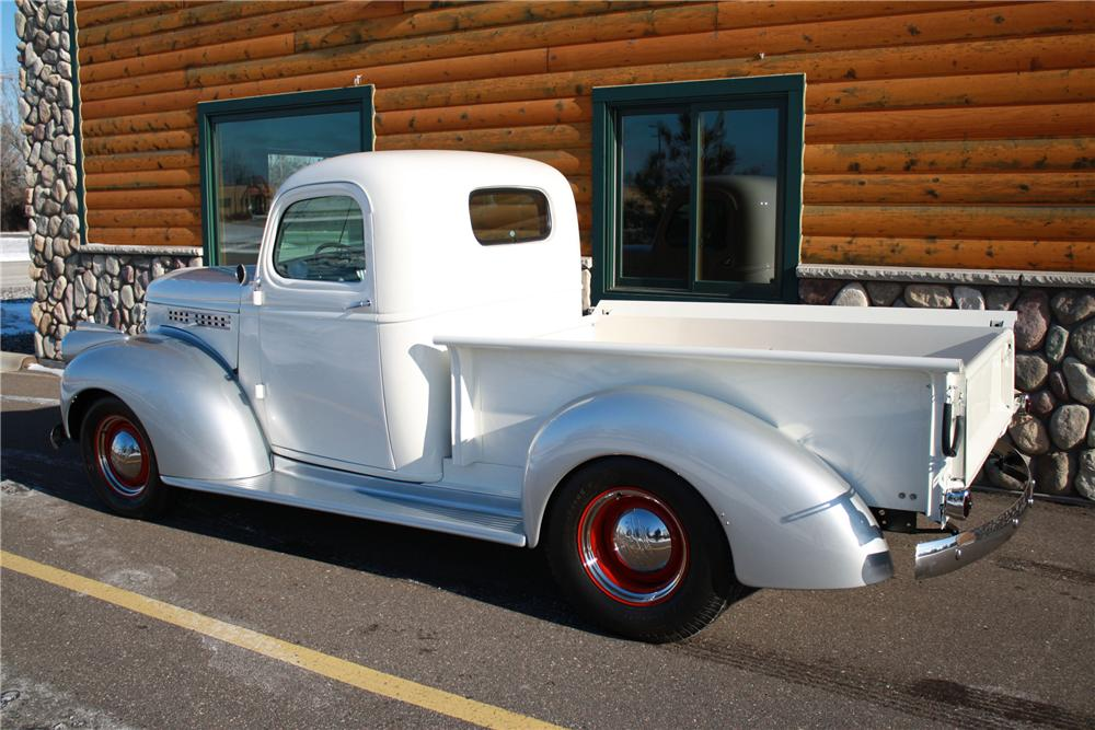 1941 CHEVROLET CUSTOM PICKUP - Rear 3/4 - 96945