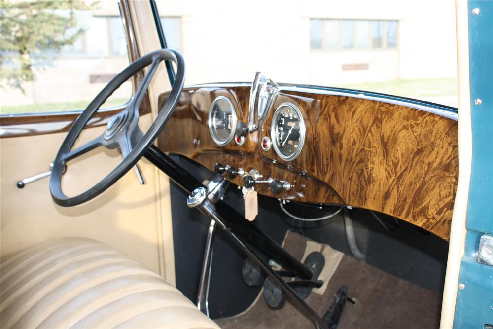 1932 ESSEX SUPER 6 MODEL E COUPE - Interior - 96971