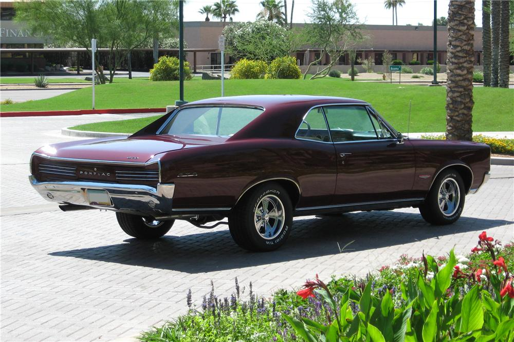 1966 PONTIAC GTO 2 DOOR HARDTOP - Rear 3/4 - 96972