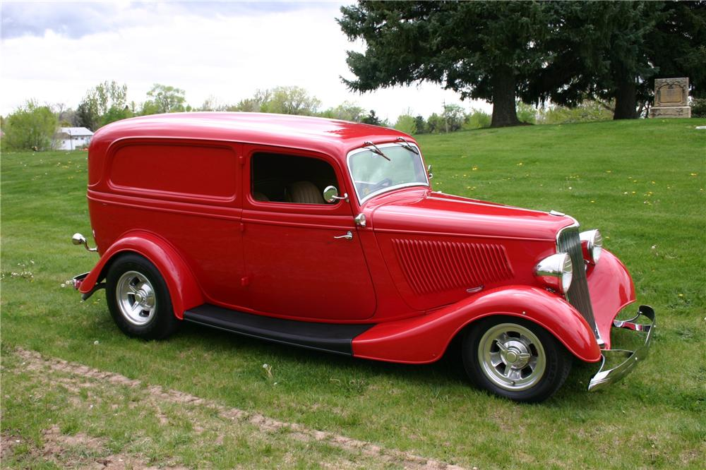 1933 FORD CUSTOM SEDAN DELIVERY - Front 3/4 - 97028