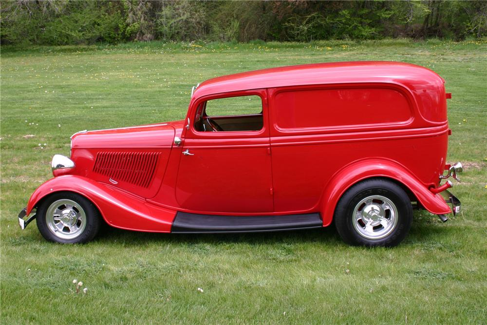 1933 FORD CUSTOM SEDAN DELIVERY - Side Profile - 97028