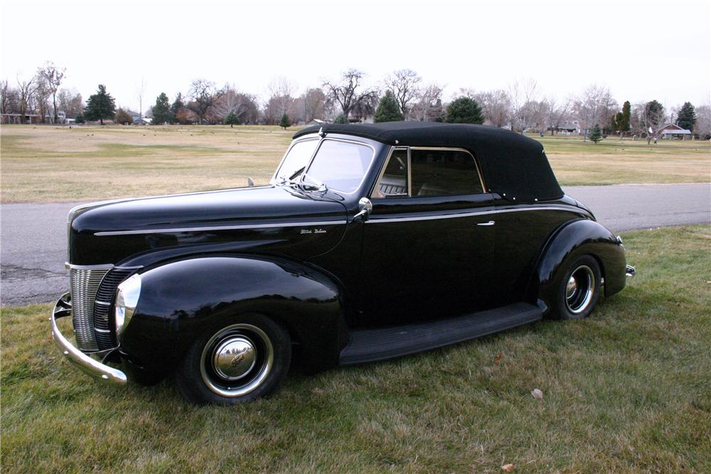 1940 FORD DELUXE CUSTOM CONVERTIBLE - Front 3/4 - 97030