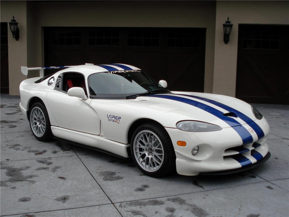 1998 DODGE VIPER GTS-R COUPE - Front 3/4 - 97074