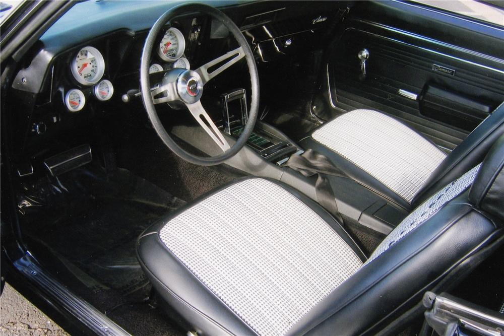 1969 CHEVROLET CAMARO CUSTOM COUPE - Interior - 97090