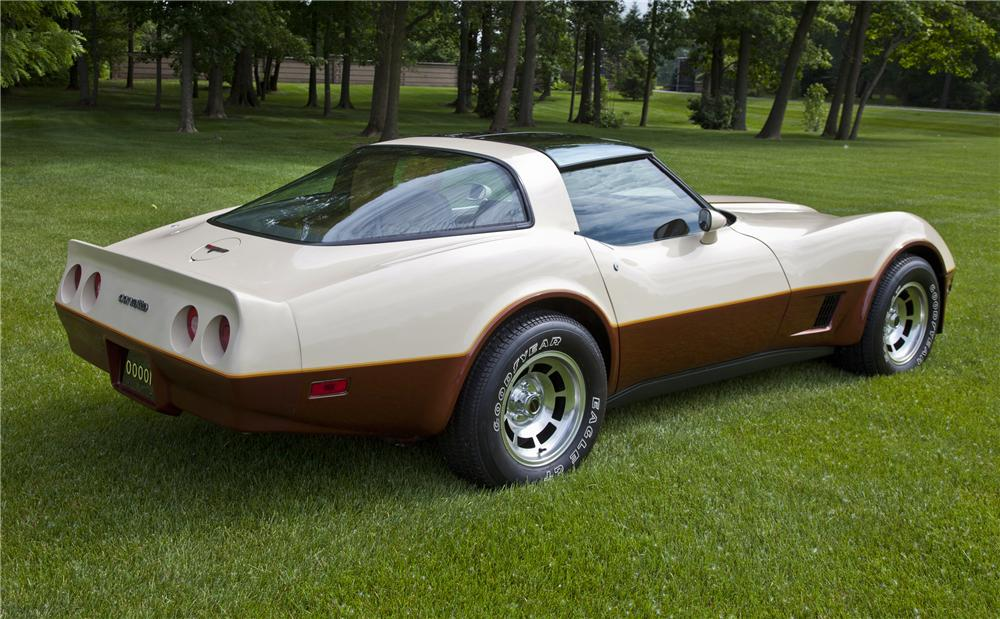 1981 CHEVROLET CORVETTE COUPE - Rear 3/4 - 97216