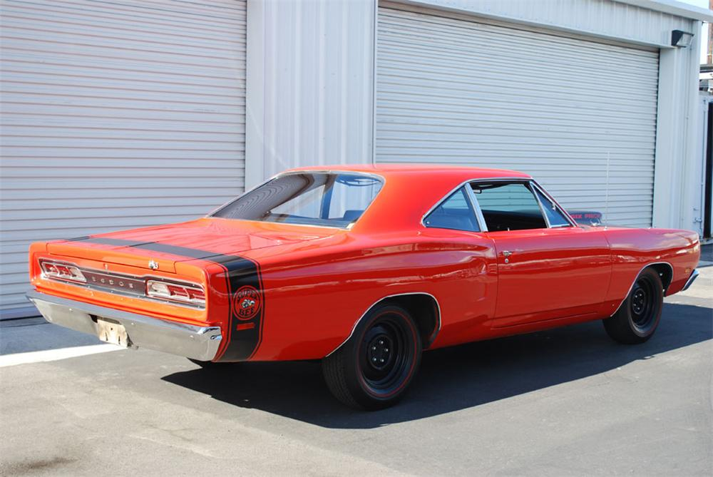 1969 DODGE SUPER BEE 2 DOOR HARDTOP - Rear 3/4 - 97246