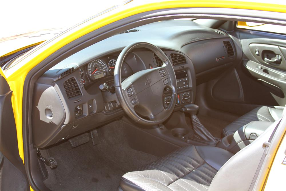 2004 CHEVROLET MONTE CARLO PACE CAR - Interior - 97251
