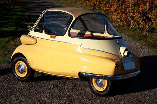 1956 BMW ISETTA CUSTOM COUPE - Rear 3/4 - 97392