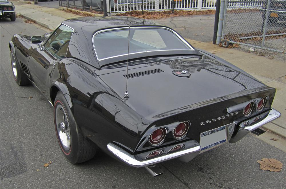 1968 CHEVROLET CORVETTE COUPE - Rear 3/4 - 97396