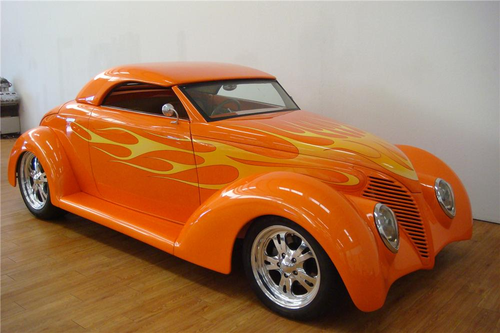 1939 FORD CUSTOM ROADSTER - Front 3/4 - 97413