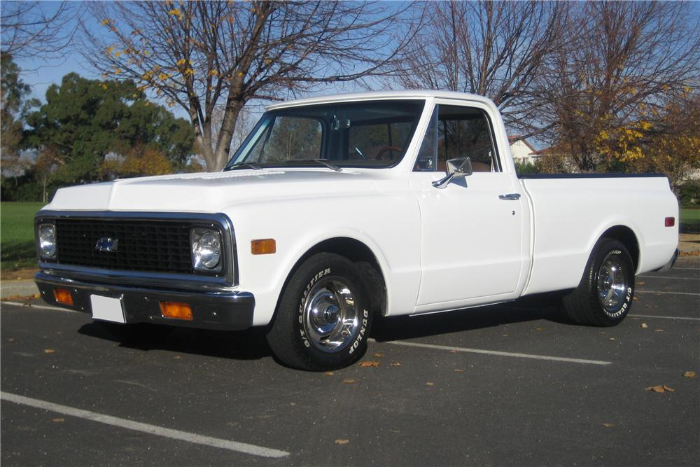 1972 CHEVROLET C-10 CUSTOM SHORT BED PICKUP - Front 3/4 - 97421