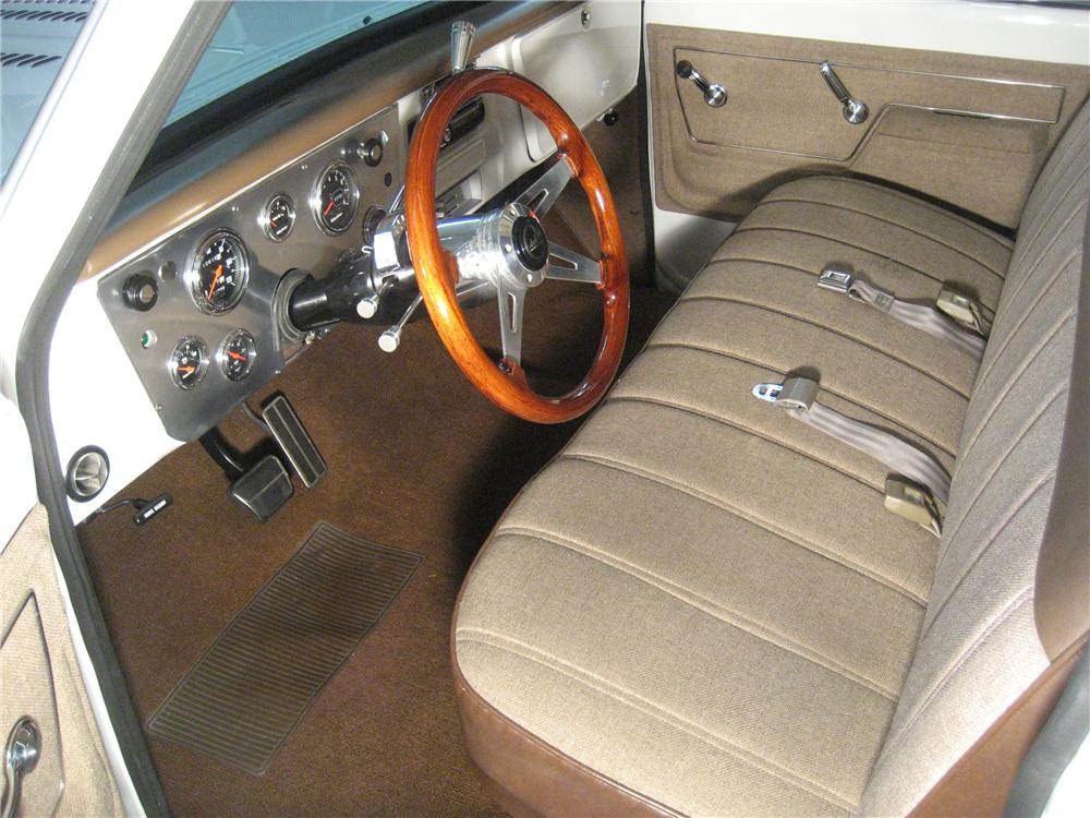 1972 CHEVROLET C-10 CUSTOM SHORT BED PICKUP - Interior - 97421