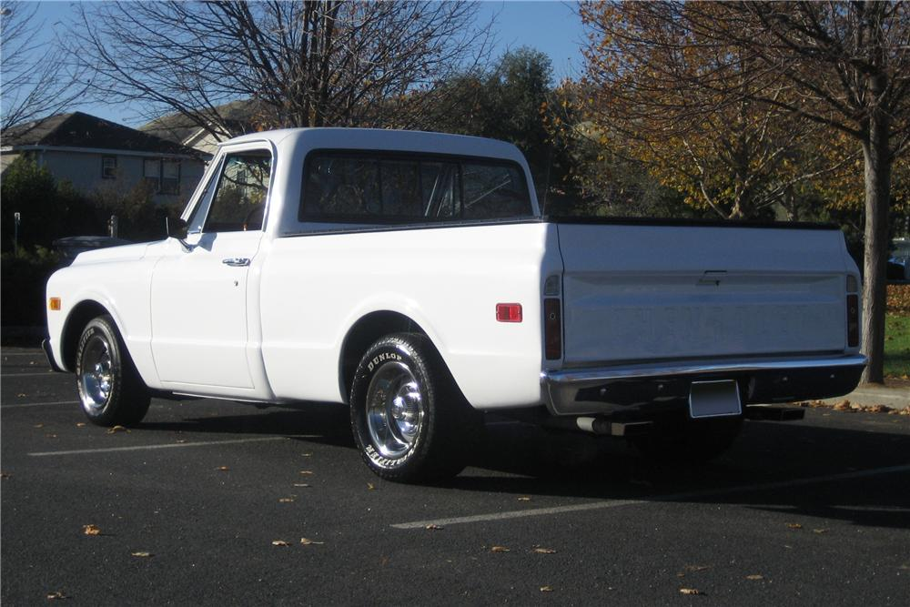 1972 CHEVROLET C-10 CUSTOM SHORT BED PICKUP - Rear 3/4 - 97421