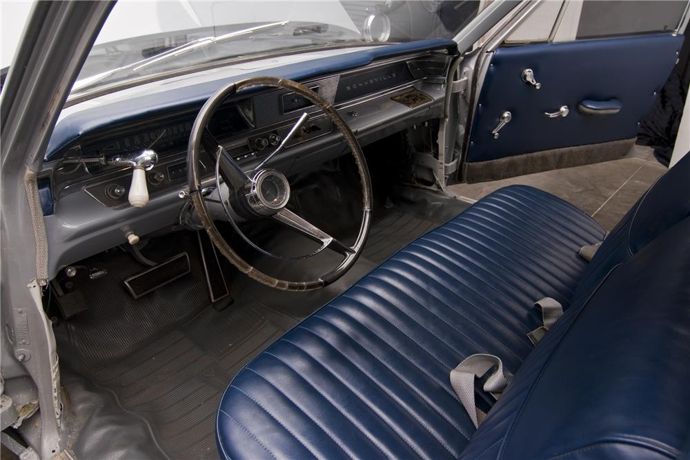 1963 PONTIAC BONNEVILLE AMBULANCE - Interior - 97432