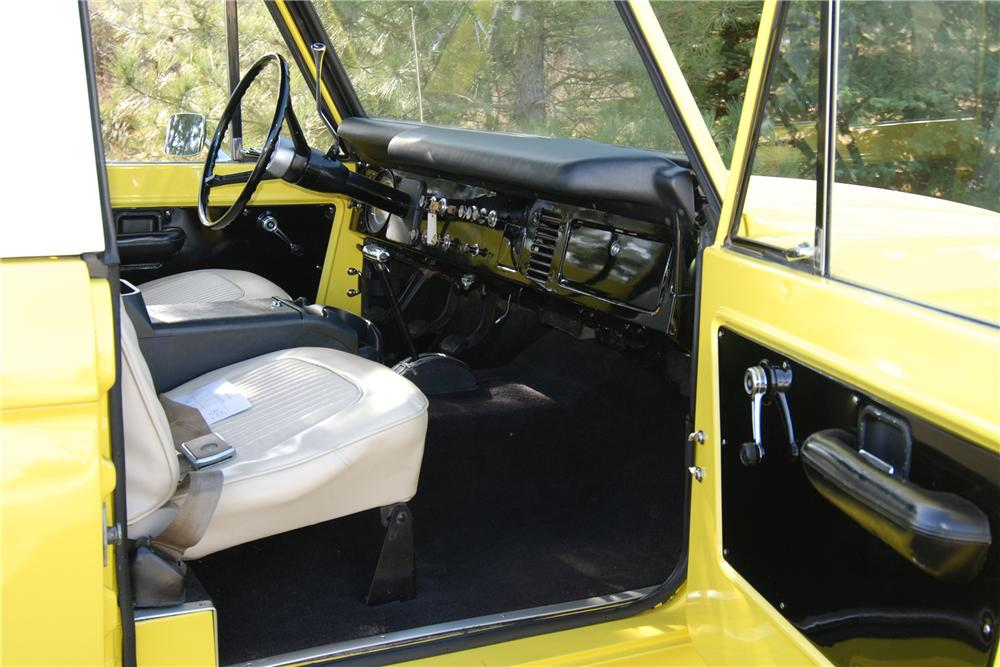 1971 FORD BRONCO PICKUP - Interior - 97436