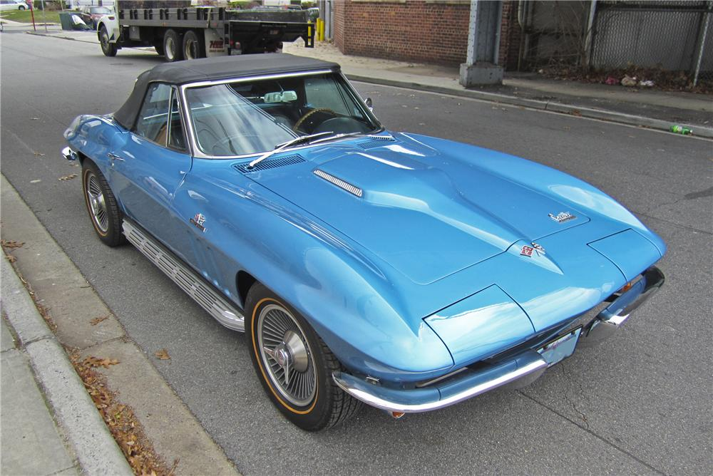 1966 CHEVROLET CORVETTE CONVERTIBLE - Front 3/4 - 97507