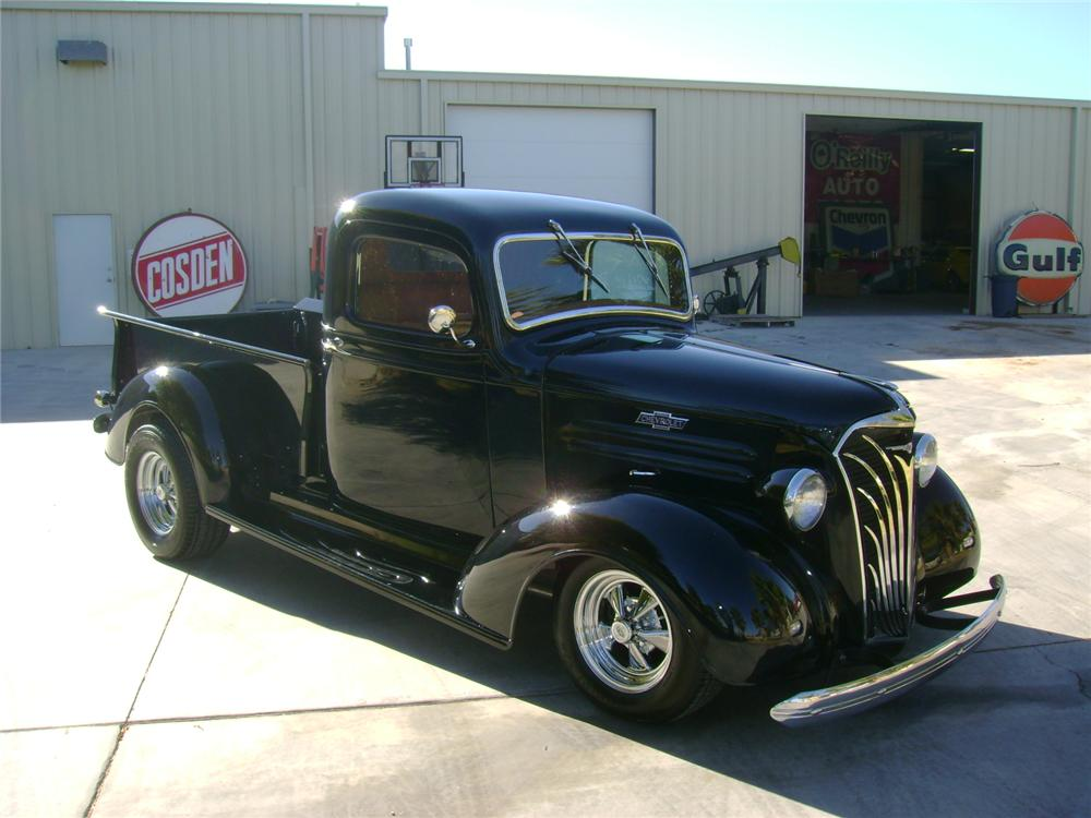 1937 CHEVROLET CUSTOM PICKUP - Front 3/4 - 97533