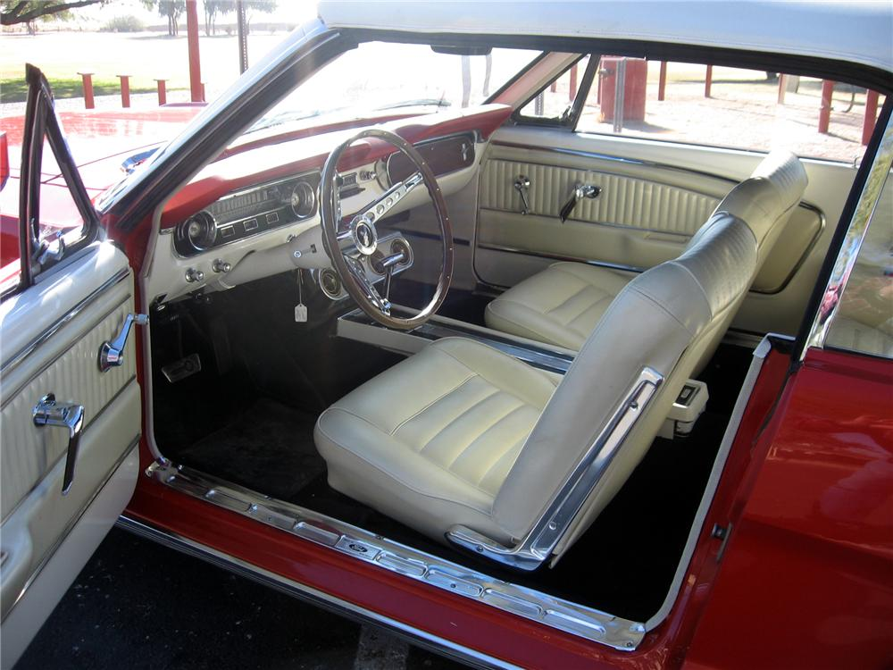 1965 FORD MUSTANG CONVERTIBLE - Interior - 97563