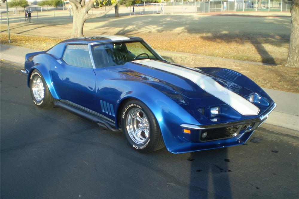 1969 CHEVROLET CORVETTE CUSTOM COUPE - Front 3/4 - 97570