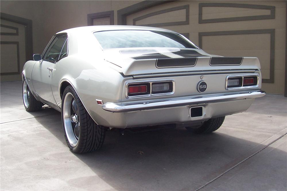 1968 CHEVROLET CAMARO SS CUSTOM COUPE - Rear 3/4 - 97576