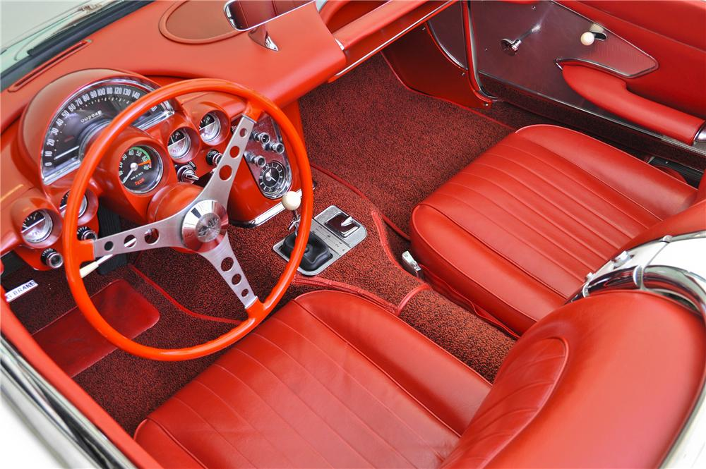 1960 CHEVROLET CORVETTE CONVERTIBLE - Interior - 97699
