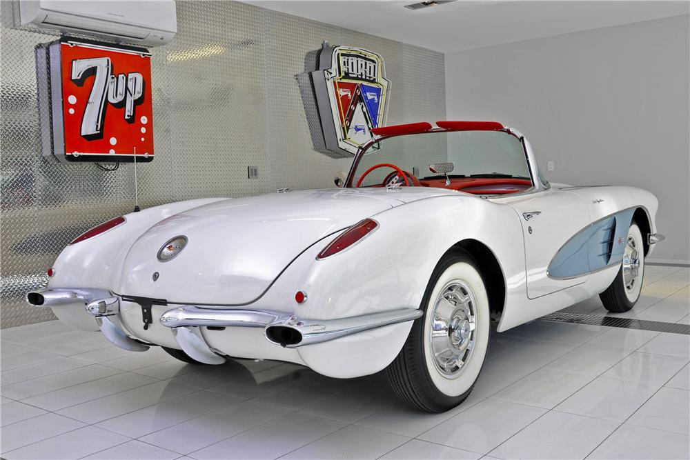 1960 CHEVROLET CORVETTE CONVERTIBLE - Rear 3/4 - 97699