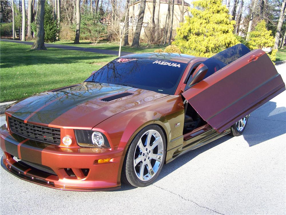 2006 FORD MUSTANG CUSTOM COUPE - Front 3/4 - 97703