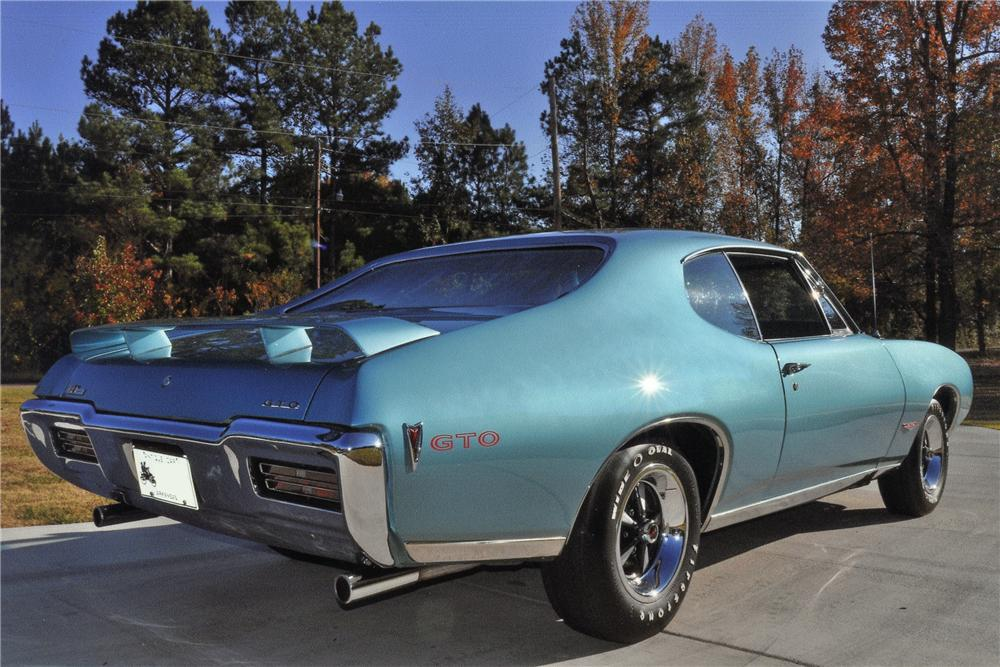 1968 PONTIAC GTO 2 DOOR HARDTOP - Rear 3/4 - 97721