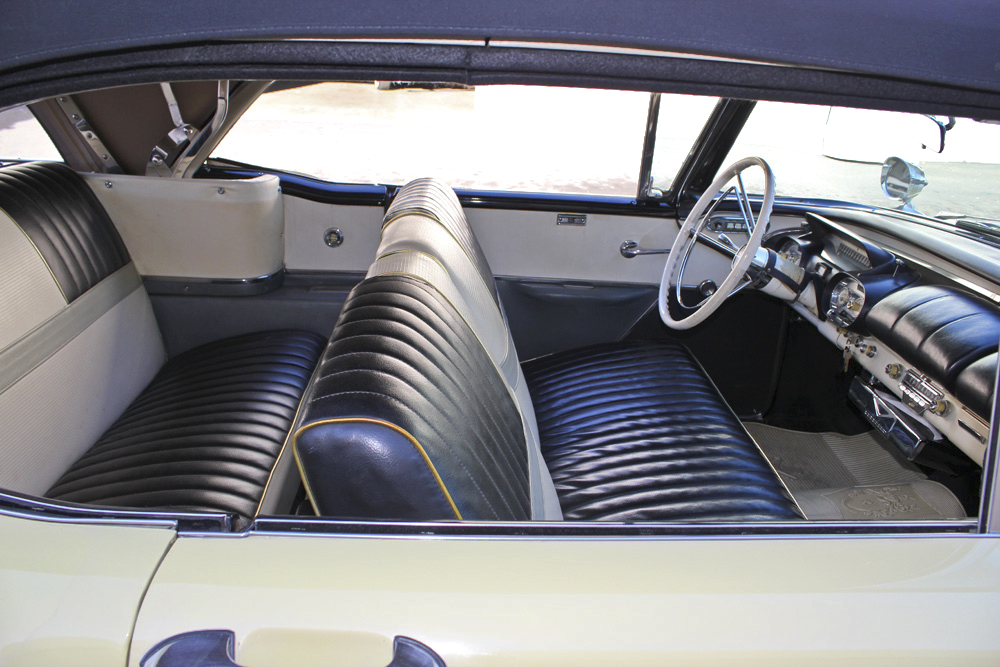 1957 MERCURY MONTCLAIR CONVERTIBLE - Interior - 97723